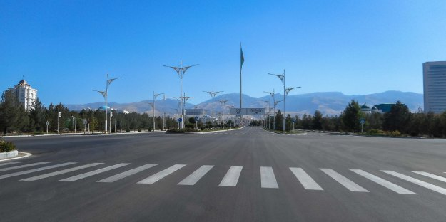 Midday traffic jam, Center of Ashgabat